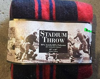 Vintage Stadium Throw Blanket - Red And Black Plaid