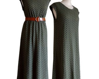 Long khaki lace sleeveless dress