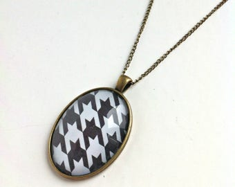 Necklace cabochon houndstooth inspired geometric vintage