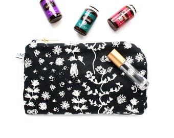 Essential Oil Everyday Plus Bag - 12 compartment essential oil case - Young Living & Doterra - Black and White Bliss