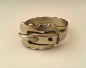 vintage silver coloured buckle ring