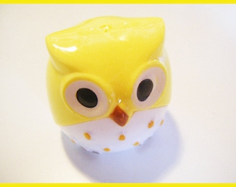 Yellow OWL - stationery desk Pencil Sharpener