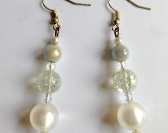 Long earrings with white pearls set
