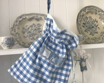 French blue and cabbages hanging bag