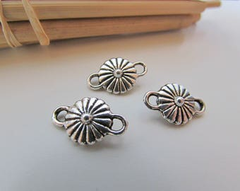 5 connector flower 15 x 10 mm metal antiqued Silver - 3 mm hole - 116.18