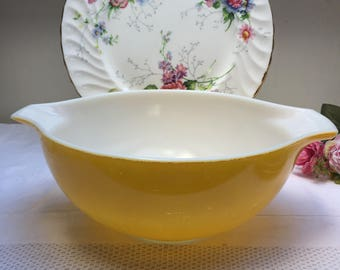 Lovely Bright Yellow Vintage Pyrex Cinderella Bowl, Nesting Bowl, Mixing Bowl