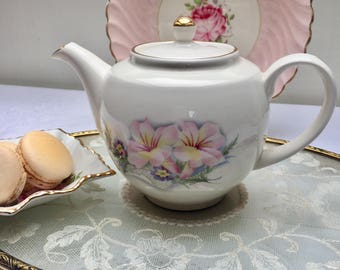 Pretty Floral Small Vintage Sadler 'Century' Teapot