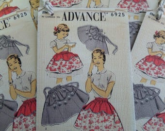RETRO APRONS TAG • Apron Pattern Tags • Seamstress Tags • Favor Tags • Handmade Tags • Unique Gift Tags • Price Tags • The Whiskered Kitten