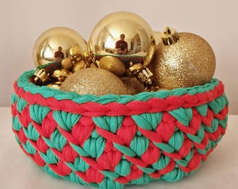 1 set of 2 small baskets / baskets-crocheted Christmas colors, violet. REF E.129