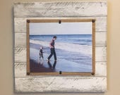 Pallet Picture Frame, Reclaimed Wood Frame, 8x10 frame, Distressed Frame, Wood Frame, Whitewash picture frame, Driftwood Frame, Beach Frame