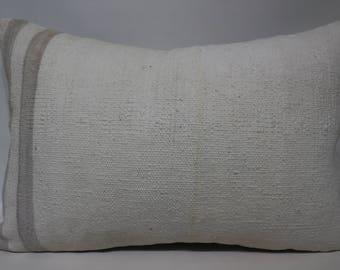White Kilim Pillow Decorative Turkish Kilim Pillow 16x24 Lumbar Kilim Pillow Handwoven Kilim Pillow Cushion Cover SP4060-1177