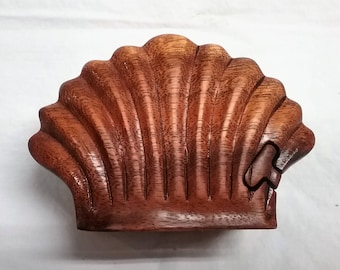 Sea shell, puzzle jewelry box, wood csrving (#bxshel4.75)
