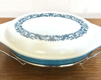 Vintage Pyrex Promotional Blue Ivy Decoration 1 1/2 Quart Divided Serving Dish with Cradle