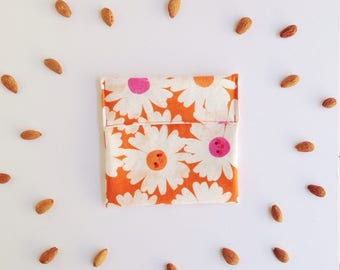 Happy flowers - No Waste snack bag - Eco snack bag - Eco friendly - Food safe fabric snack pouch