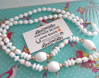 Long 85cm chunky vintage 1980s necklace, white 1980s necklace, white bead necklace, white necklace,  vintage necklace, vintage bead necklace