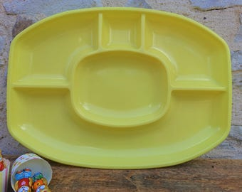 Vintage - display appetizer cupcakes or cakes vintage plastic yellow compartments - tray plate