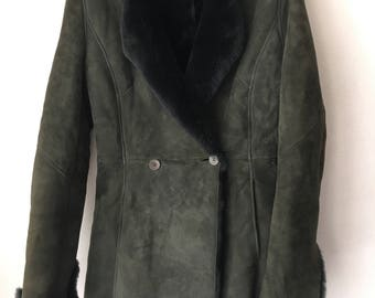 Really modern coat warm coat from real sheepskin & suede soft and velvet suede vintage designer mid length women's coat green size-medium.