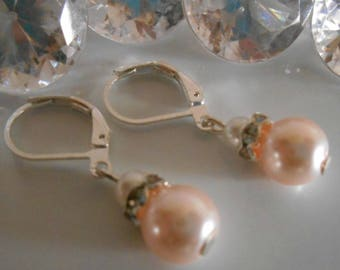 Earrings sleepers rhinestone and Pearl White and pale pink wedding