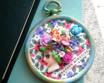 Vintage Cameo Flowers in Her Hair Garden Collage Hoop Art - Retro Floral Fabric Wall Art / Hanging - Textile Art Mixed Media Home Decor Gift