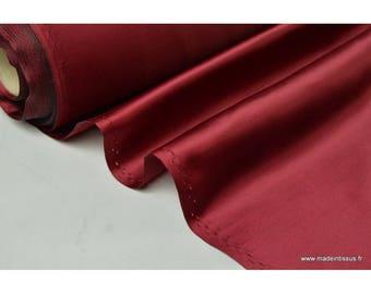 Satin doupion duchesse polyester bordeaux x50cm