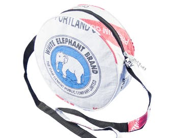 "Bag ""animal"" in cement sack-Small (-: Elephant White-blue)"