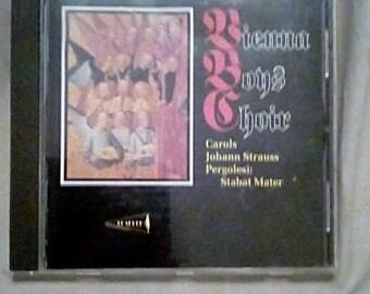 Vienna Boys Choir Carols Johann Strauss Pergolesi Stabat Mater ( 1996 CD )