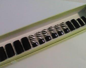 Fake nails,press on nails,glue on nails,Black and white tiger, nail art, false nails, Tiger stripes.
