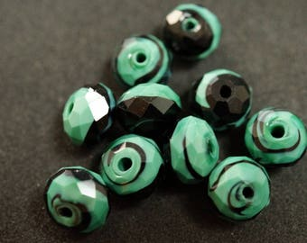 BLACK and green glass bead Nacklace