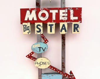 Big Star Motel Rustic Retro VIntage Motel Sign, hand painted mini sign. Vintage sign. Distressed Tabletop Wood sign