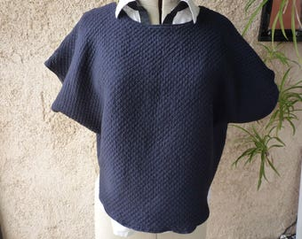 Drooping sleeves wool top