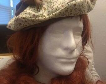 Reversible brown and floral beret