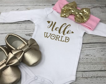 Hello world, Hello World bodysuit, baby girl bodysuit, hospital outfit, take home outfit, baby shower gift, baby girl shirt, baby girl