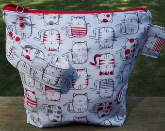 Petite Cats Zippered Pouch Knitting Project Bag / Pockets/ Measuring Tape