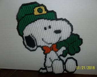 handmade plastic canvas happy st patrick's day leprechaun snoopy wall hanging