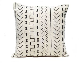 Whit Mudcloth Pillow 2