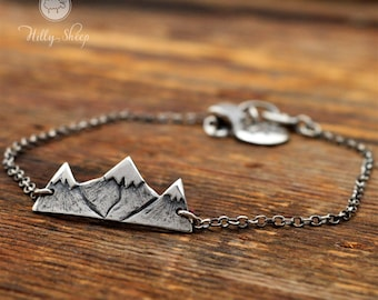 Silver bracelet.Mountains on a chain.Mountain.Gift for mountains lovers.jewelry.Mountains.Silver jewelry.Travel.Gift for the climber.