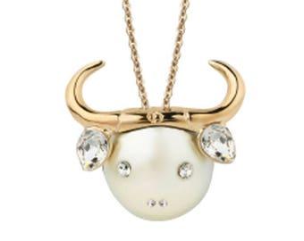 Dior Stier horoscope Zodiac necklace