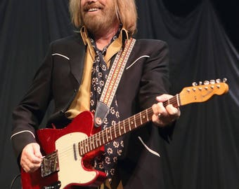 Tom Petty Legendary Musician Singer Songwriter - 8X10 or 11X14 Publicity Photo (FB-473)
