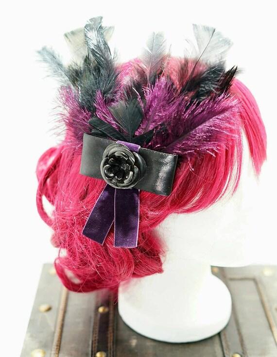 Dark purple & black feathers bow hair pin / Pflaumfarbene and black feather hair clip