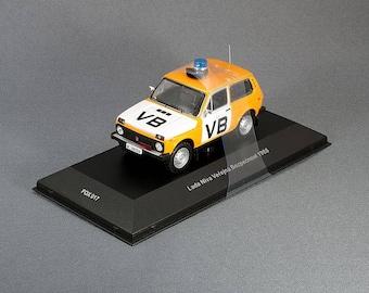 Lada Niva 2121 Verejna bespecnost  VB 1988 IXO Foxtoys  1/43 FOX 017 Limited edition