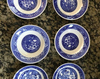 "Six (6) Total Willow Ware 5 1/2"" Fruit Bowls"