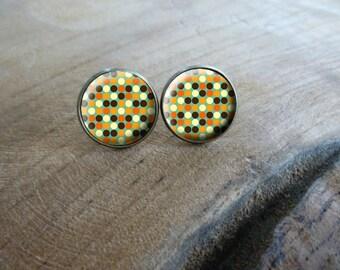 Boucles d'oreilles puces cabochon puce 70's  puce rétro Seventies  Boucles d'oreilles rétro vintage, Boucles d'oreilles cabochon rétro 70s