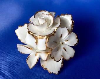 Vintage Signed Cara Chine White and Gold Flower Brooch, Vintage China Flower Brooch, English China Flower Brooch