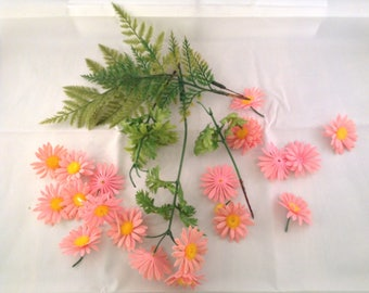 Vintage Plastic Floral Pink Daisy Craft Lot