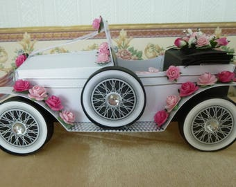 Beautiful Hand Wedding Car
