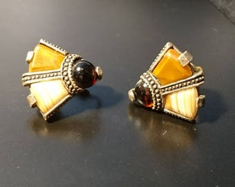 Fab pair of vintage Miracle clip-on earrings, 1960's Miracle, cairngorm stone
