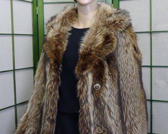 Nice warm raccoon fur jacket coat -in very good condition. Sz  6-8