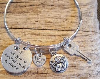 Valentines Day Charm Bracelet, Gift for Her, Show your Love, I love you, Valentines Day gift