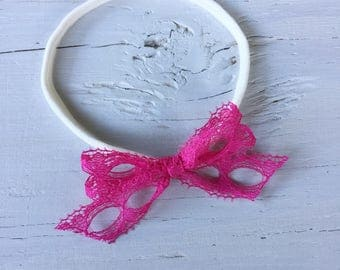 Pink lace sweetheart bow