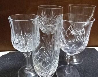 Mismatched Crystal Glasses/x 5/4 wine/1 Champagne/Vintage